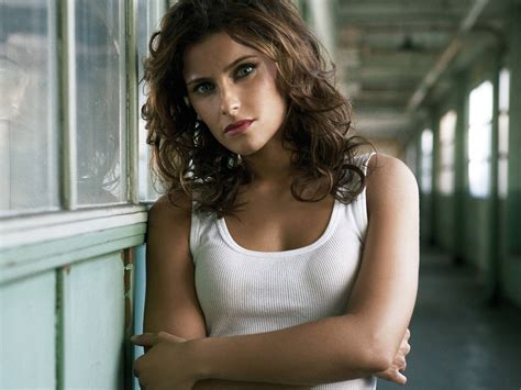 Rnb Faraquen Nelly Furtado Folk R B Hip Hop Pop World