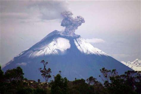 imagenes satelitales volcan cotopaxi volc 225 n cotopaxi sigue inactivo tras causar temor entre