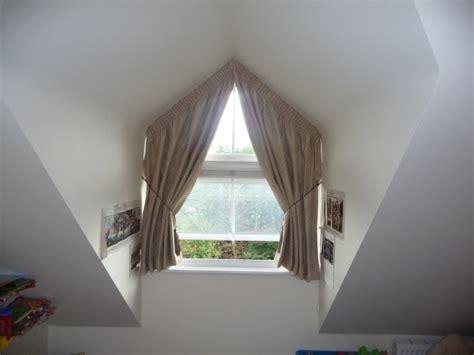 vorhang dreiecksfenster curtains for triangle windows nifty ideas