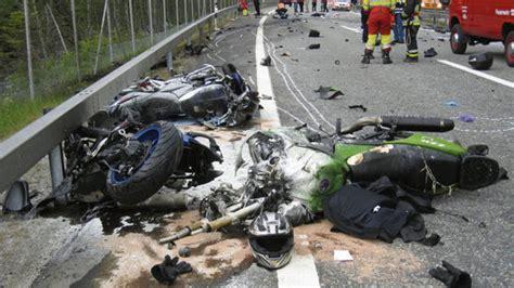Unfall Motorrad A1 by Zwei Tote Bei Motorradunfall Auf A13 Suedostschweiz Ch