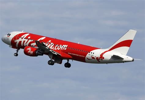 airasia big indonesia airasia qz8501 search continues claims plane may have