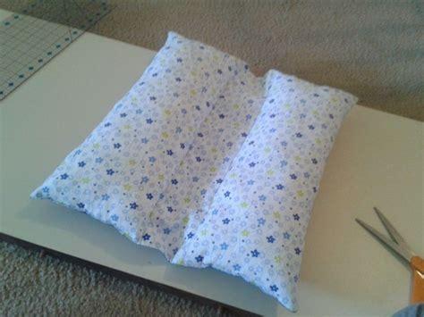 Travel Pillow Tutorial by Best 25 Seat Belt Pillow Ideas On Seatbelt