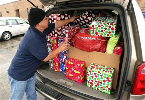 salvation army plays santa for needy lake county families