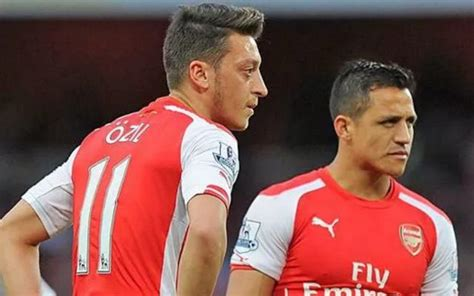 alexis sanchez and mesut ozil arsenal injury news mesut ozil confirms he is fit ahead