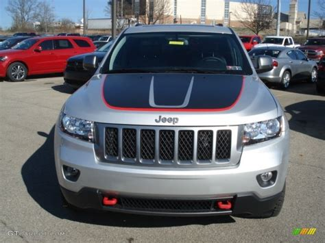 2013 Jeep Grand Trailhawk 2013 Jeep Grand Trailhawk Interior 300x225 2013