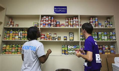 Food Pantry Rogers Ar by Pantries Tackle Hunger On Cus Nwadg