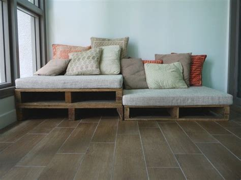 four on a couch rules 25 best ideas about wood pallet couch on pinterest