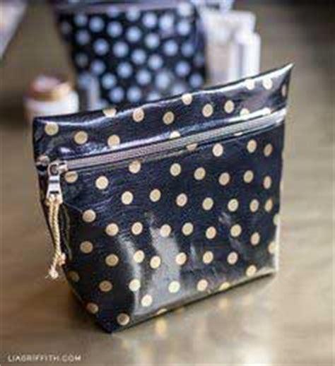 Mini Makeup Pouch Wave purse patterns 100 free purse patterns to sew