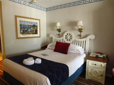 Disney Yacht Club Rooms by Along Bay Pool Area Picture Of Disney S Yacht Club