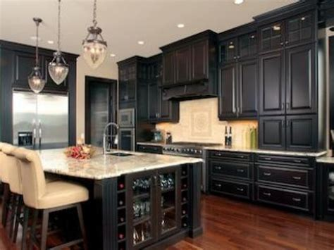 Kitchen wall colors with dark cabinets, kitchen wall