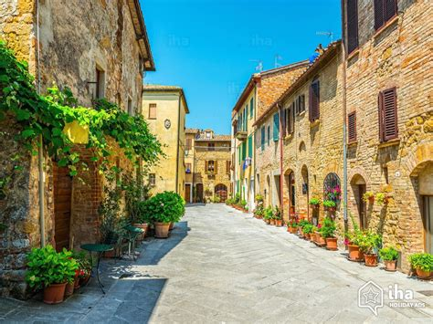 2 Or 3 Bedroom House For Rent pienza rentals in a house for your vacations with iha direct