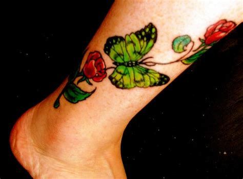 lipby sevenfold beautiful rose tattoo design for women