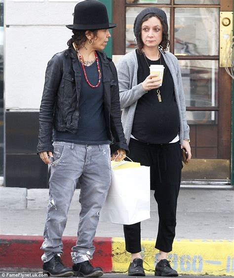 linda perry on the talk sara gilbert and wife linda perry welcome son rhodes