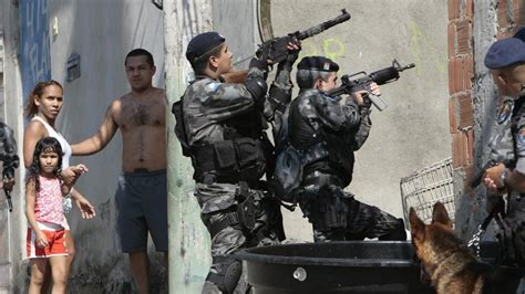 brazil military police uniform need help portuguese contract madsen lmg