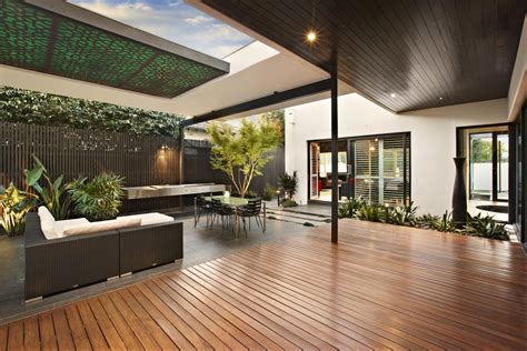 relaxing outdoor space   house  balaclava road