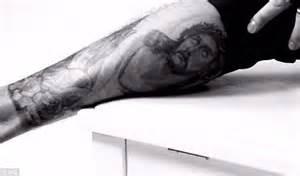 justin bieber cross tattoo drawing justin bieber wants to erase tattoo of ex girlfriend