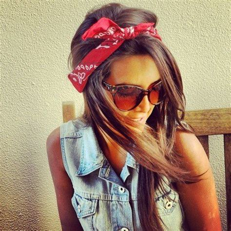 how to do the country chic hairstyle from covet fashion ehow how to create a hairstyle with a bandana pretty designs
