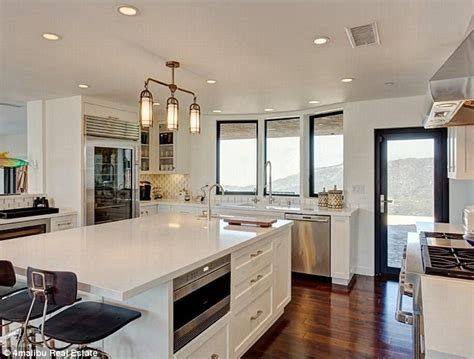 Jenner House Kitchen by Inside Bruce Jenner S Secluded 3 5m Malibu Home Daily