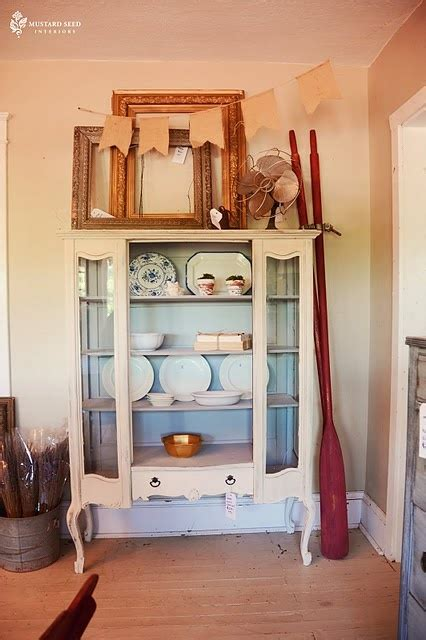 rooms to go curio cabinets 17 best images about curios on pinterest beach houses