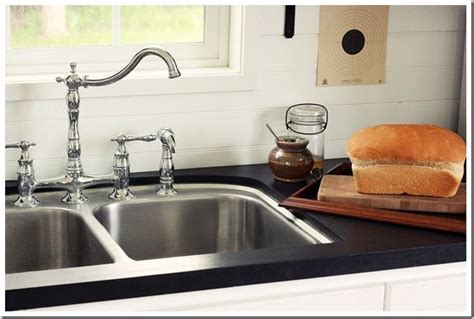 Gritty Granite Countertops by 17 Best Ideas About Painting Countertops On
