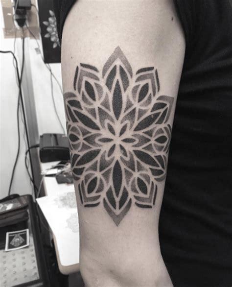 tattoo mandala coude tatouage mandala dotwork la s 233 lection tattoome le