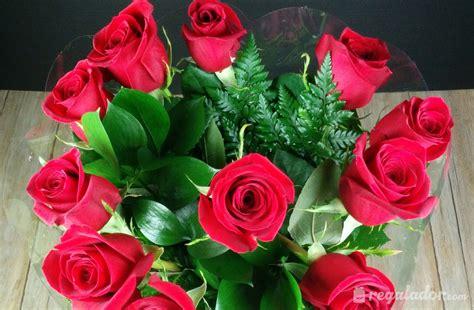 ramo de rosas rojas regalo perfecto para mama este 10 de mayo how to make a bouquet of red roses regalador ramo de rosas rojas