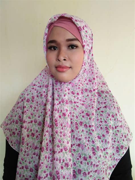 Segiempat Bunga Segiempat Motif Segiempat Abstrak segiempat motif bunga warna baby pink scarf