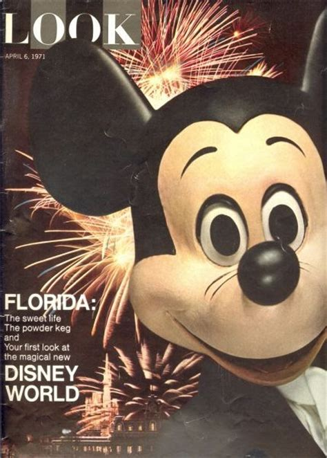 H 03 Handuk Mickey Mouse Meet The World The Mickey Mouse Revue Part 1
