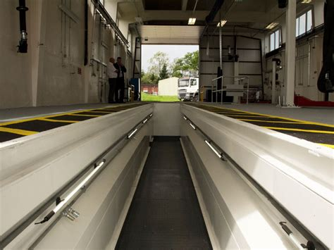 vehicle lifts  pits workshop feature commercial vehicle dealer