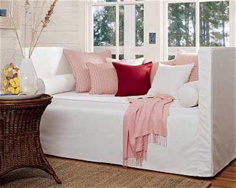 upholstered daybeds that look like sofas daybeds that look like sofas the advantages of a