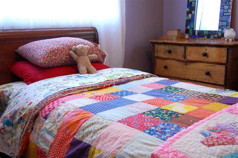 Coverlet Vs Quilt Quilt Vs Comforter Bedroom Rustic With Cabin Area Rug
