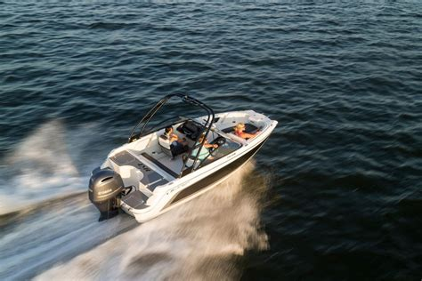 where are larson boats built top 10 runabouts of 2016 bowriders that can t be beat