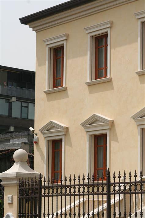 cornici per finestre in polistirolo oltre 1000 idee su cornici per finestre su