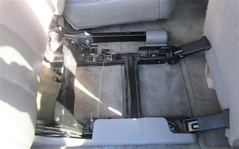 suburban 2nd row bench seat 2006 suburban 2nd row bench seat won t slide chevrolet