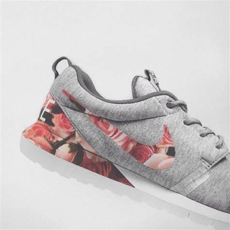 nike floral running shoes nike roshe customized floral running shoes sexiest item of