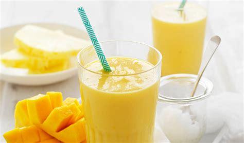 Detox Smoothir Lemon Pineapple Almond Milk by The Carousel