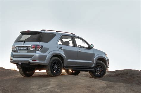 Toyota Fortuna Toyota Fortuner 2016 Wallpapers9