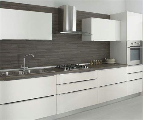 Small Cabinets For Bathroom Cucina Bianca Top Scuro Piastrelle Idee Cucina
