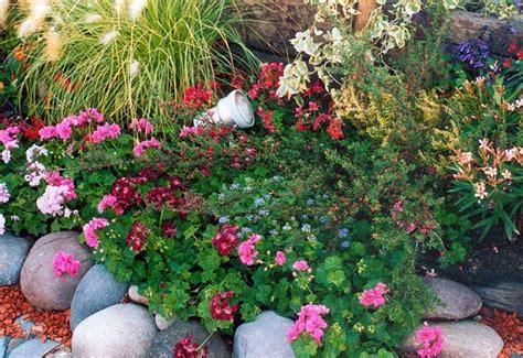 decorar un jardin con piedras como decorar un jardin con piedras