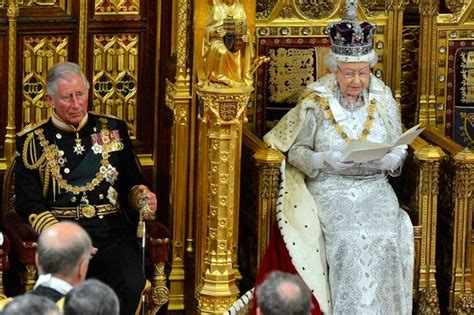 Elizabeth Clashes With New In Laws by David Cameron Clashes With Buckingham Palace After Attempt