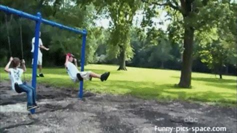 people falling off swings 11 people who totally regret ever getting on a swing