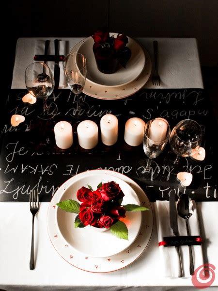 tavola apparecchiata romantica passione in tavola per la serata di san valentino casa e