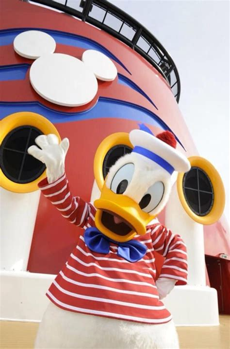 themes line donald duck donald duck on disney cruise luv disney cruise line