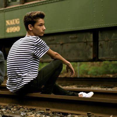 boat shoes h m joey dupont h m black white striped shirt h m white