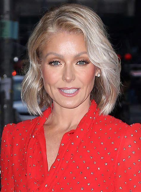 Kelly Ripa | kelly ripa at the late show with stephen colbert tv show