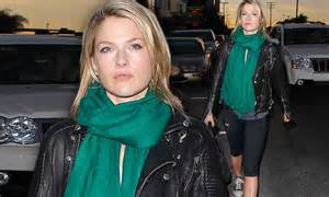 Promo Make Up Shezi Stel Alis Eyebrow St Termurah ali larter displays toned legs in clingy black as she strides out of a lunch