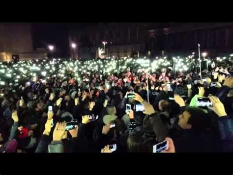flash mob pino daniele in piazza plebiscito doovi
