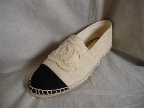 chanel flat shoes 2013 2013 chanel beige canvas cc logo shoes flats espadrilles