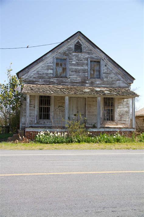 farmhouse com an old farmhouse beauty everyday