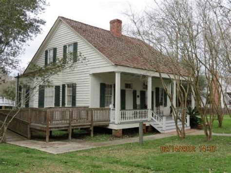 louisiana style home plans 25 best ideas about acadian homes on pinterest house